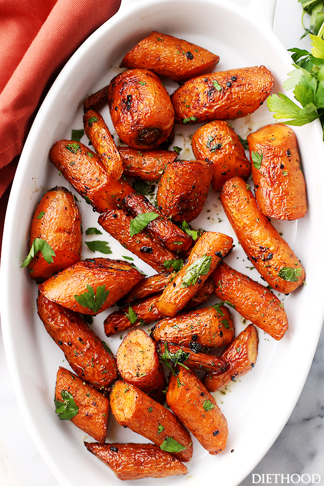 Garlic-Butter-Roasted-Carrots