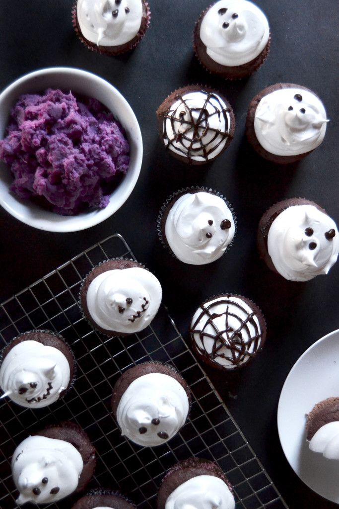 halloween-ghost-cupcakes