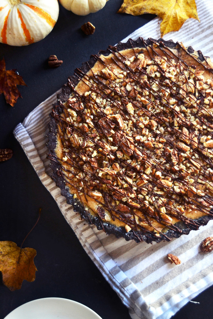 thanksgiving-chocolate-pecan-pie-yinandyolk-com